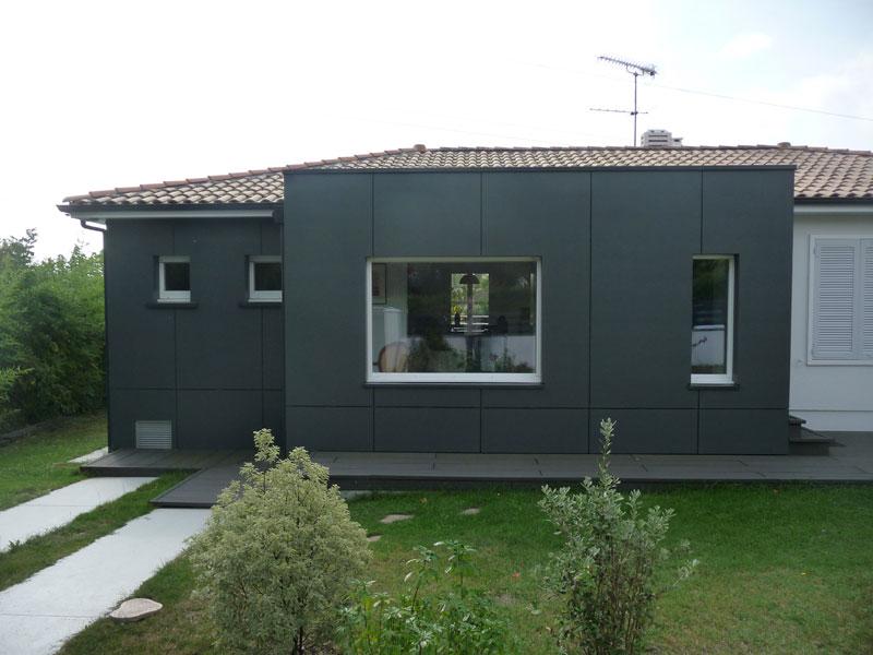 extension-renovation-ossature-bois-et-bardage-gris